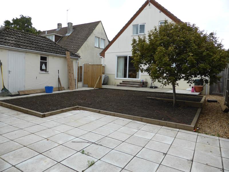General garden maintenance turfing colehill wimbourne for Garden maintenance christchurch