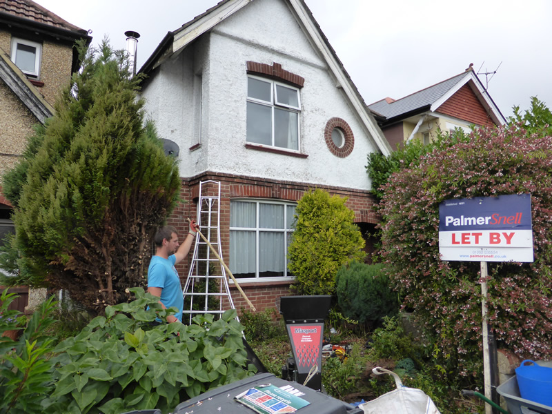 Garden clearance for palmer snell winton bournemouth for Garden maintenance bournemouth